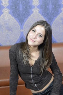 Heidi Van-Horny