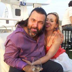 Laurent et Lynda _tirent la langue